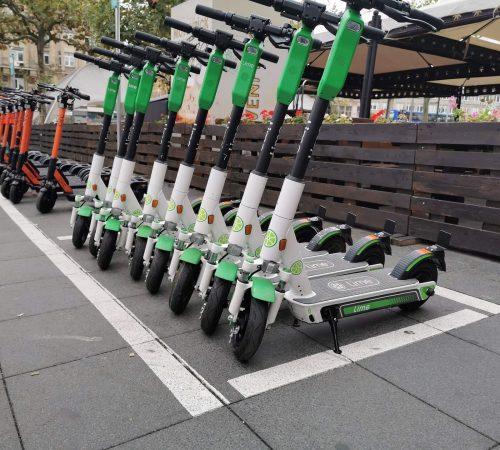 e-scooter-4496668_1920